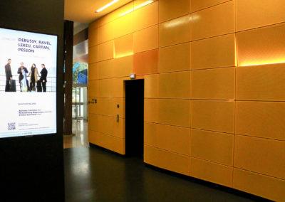 Afficheur Slim 55'' COTEP - gamme indoor (Maison de la Radio, Paris)