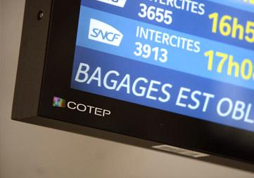 détail coin logo afficheur indoor COTEP