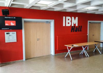 écran affichage dynamique IBM hall campus EM Lyon