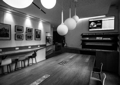Afficheur 55'' Slim COTEP - gamme indoor (Thalys Lounge Gare du Nord, Paris)