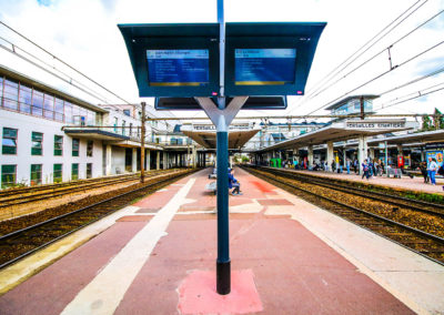 Afficheur TFT 32'' COTEP - gamme outdoor (Gare SNCF Versailles Chantiers)