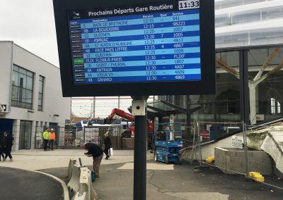Afficheur TFT 70'' COTEP - gamme outdoor (Gare routière SNCF - Rennes)